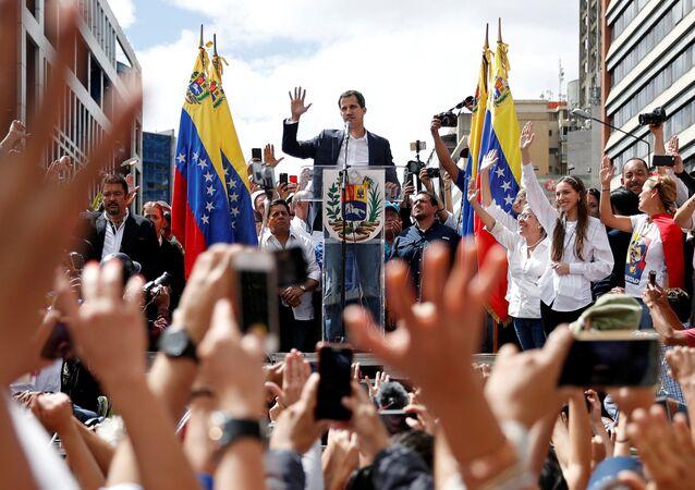 زعيم المعارضة الفنزويلية خوان غوايدو، خلال مظاهرات في كاراكاس، فنزويلا 23 يناير/ كانون الثاني 2019