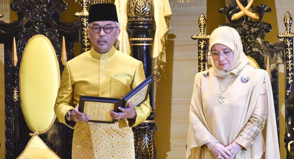 ملك ماليزيا السادس عشر،  عبد الله ريات الدين المصطفى بالله