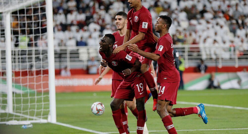 معز علي يحتفل هدفه الثاني مع قطر في مرمى الإمارات في نصف نهائي كأس آسيا 2019