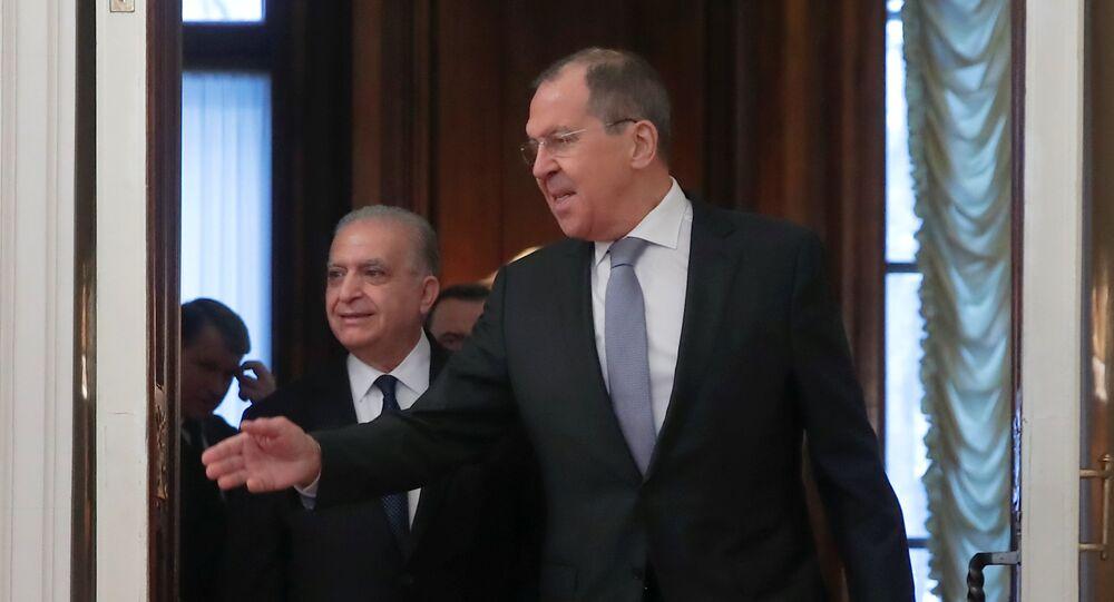 وزير الخارجية الروسي سيرغي لافروف ونظيره العراقي محمد علي الحكيم