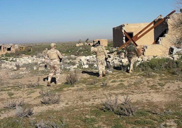 القوات العراقية تدمر ما يفعله الدواعش بعد هزيمتهم