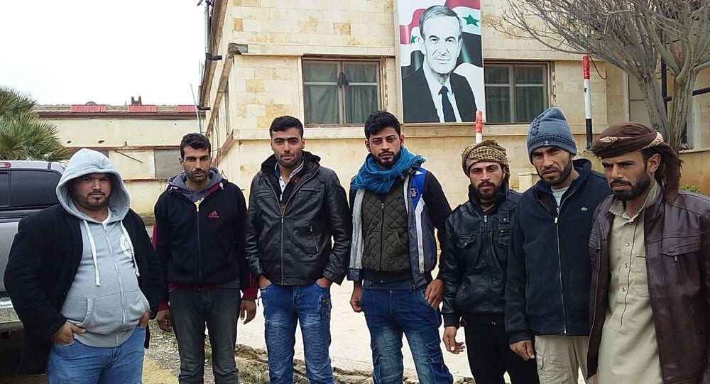 انشقاق عشرات الشبان السوريين عن قسد وانضمامهم للجيش في الرقة
