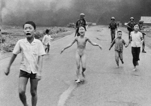 كيم فوك في الصورة الشهيرة أثناء حرب فيتنام عام 1972