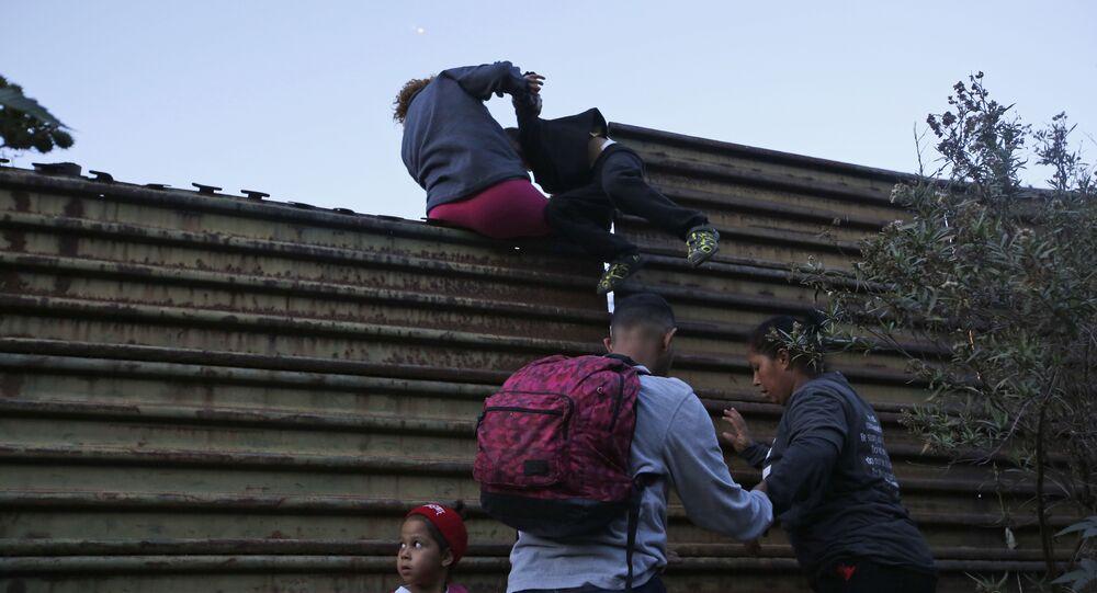 الحدود الأمريكية مع المكسيك