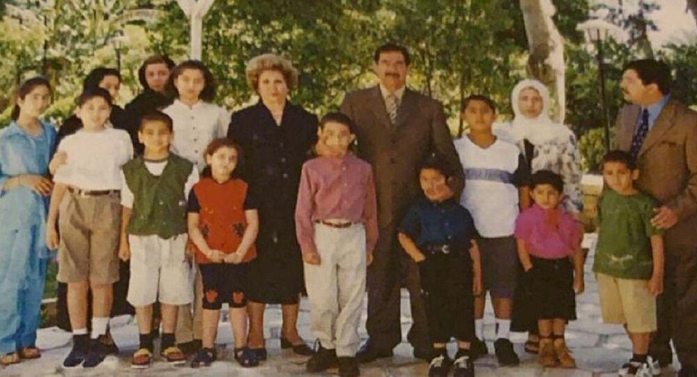صور شخصية لصدام حسين وعائلته تنشر لأول مرة