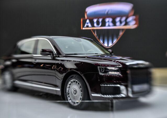 سيارة اوروس