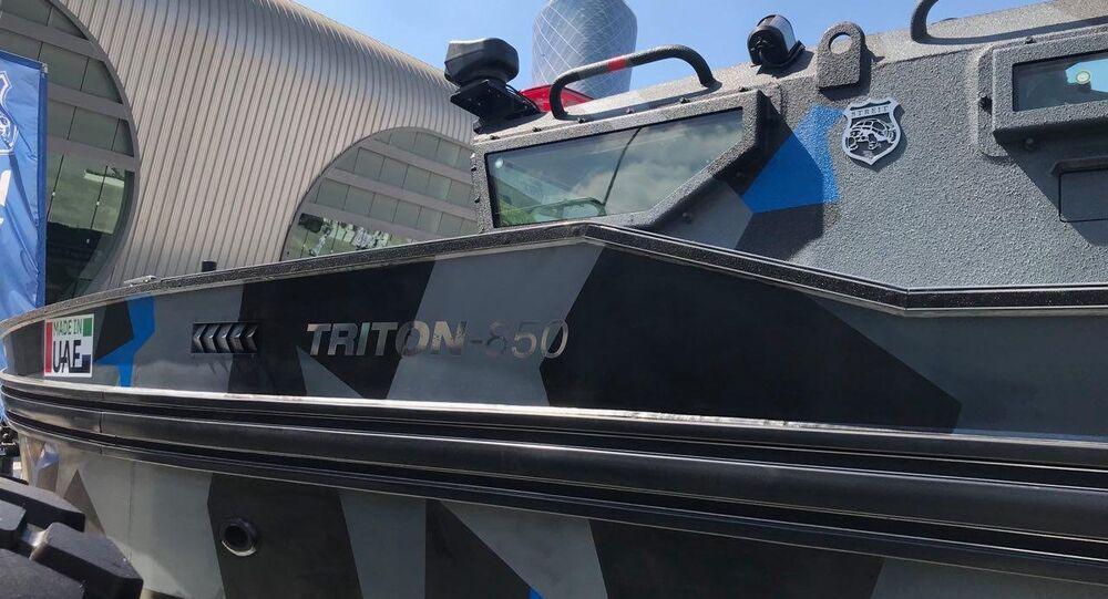 ستريت مارين الإماراتية تعرض لأول مرة القارب المدرع تريتون في آيدكس