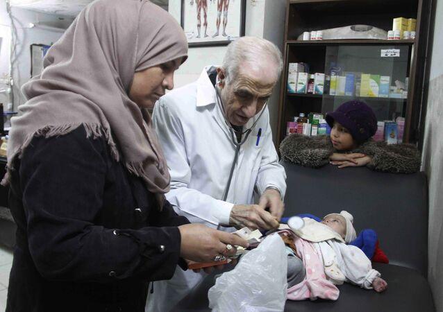 طبيب الفقراء - الطبيب السوري إحسان عز الدين