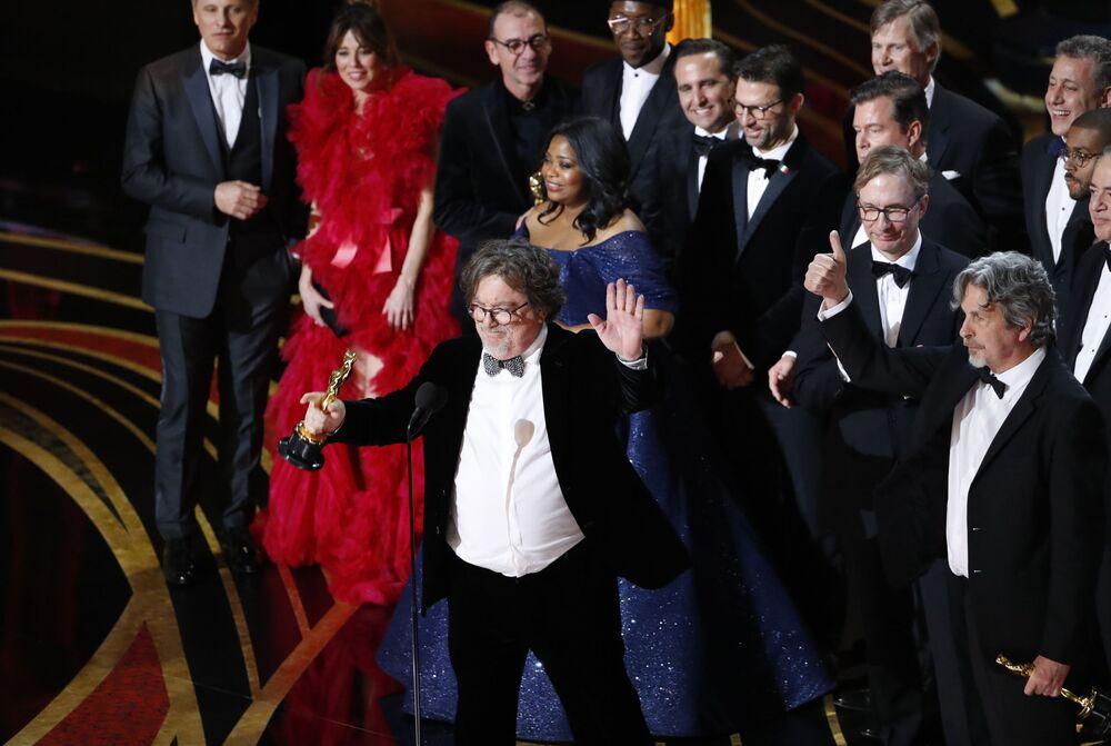 المخرج بيتر فاريللي يحصل على جائزة أفضل تصوير لفيلم Green Book، الحفل الـ 91 لتوزيع جوائز أوسكار السينمائية في هوليوود، لوس أنجلوس، كاليفورنيا، الولايات المتحدة 24 فبراير/ شباط 2019