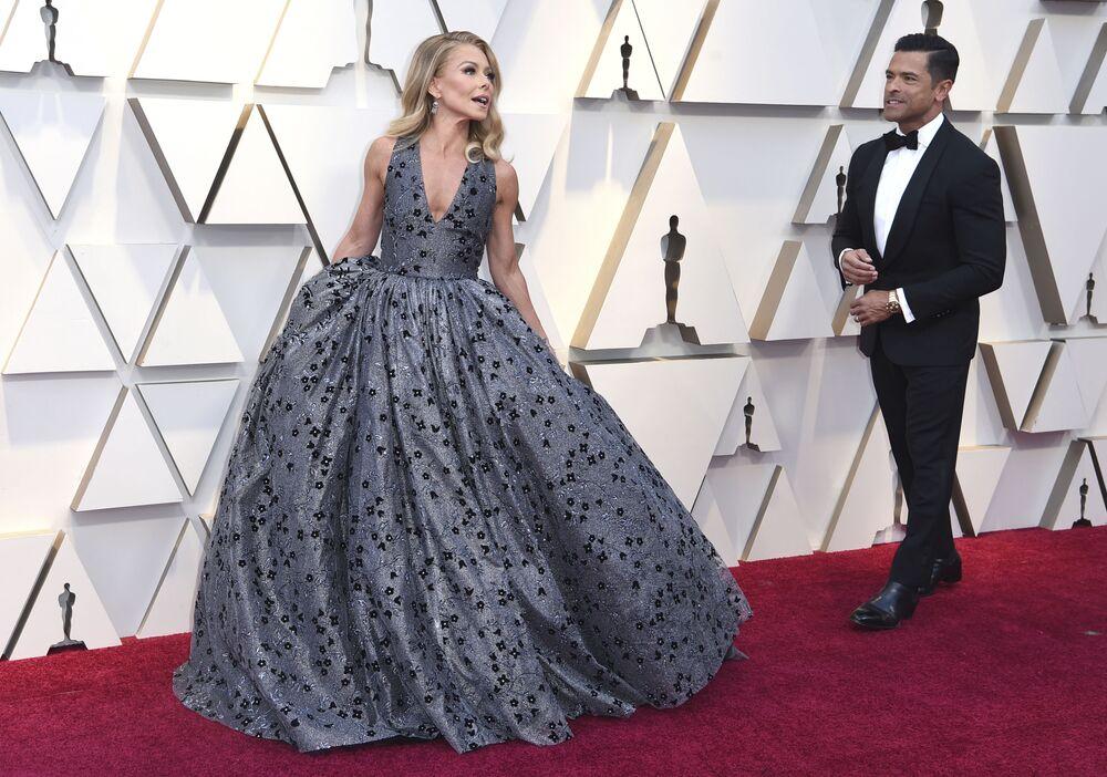 الممثلة كيلي ريبا والممثل مارك كونسيويلوس، في مراسم الحفل الـ 91 لتوزيع جوائز أوسكار السينمائية في هوليوود، لوس أنجلوس، كاليفورنيا، الولايات المتحدة 24 فبراير/ شباط 2019