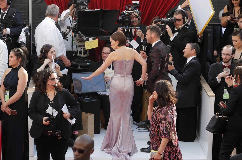 الممثلة الأمريكية إميليا كلارك أثناء مراسم الحفل الـ 91 لتوزيع جوائز أوسكار السينمائية في هوليوود، لوس أنجلوس، كاليفورنيا، الولايات المتحدة 24 فبراير/ شباط 2019