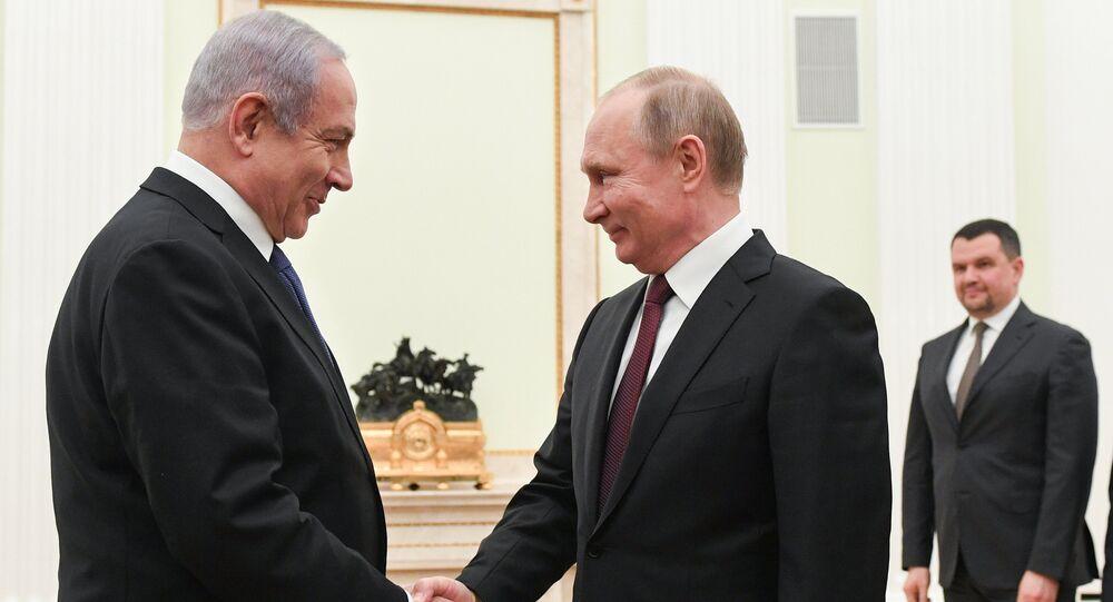 رئيس الوزراء الإسرائيلي بنيامين نتنياهو والرئيس الروسي فلاديمير بوتين في اجتماع في موسكو