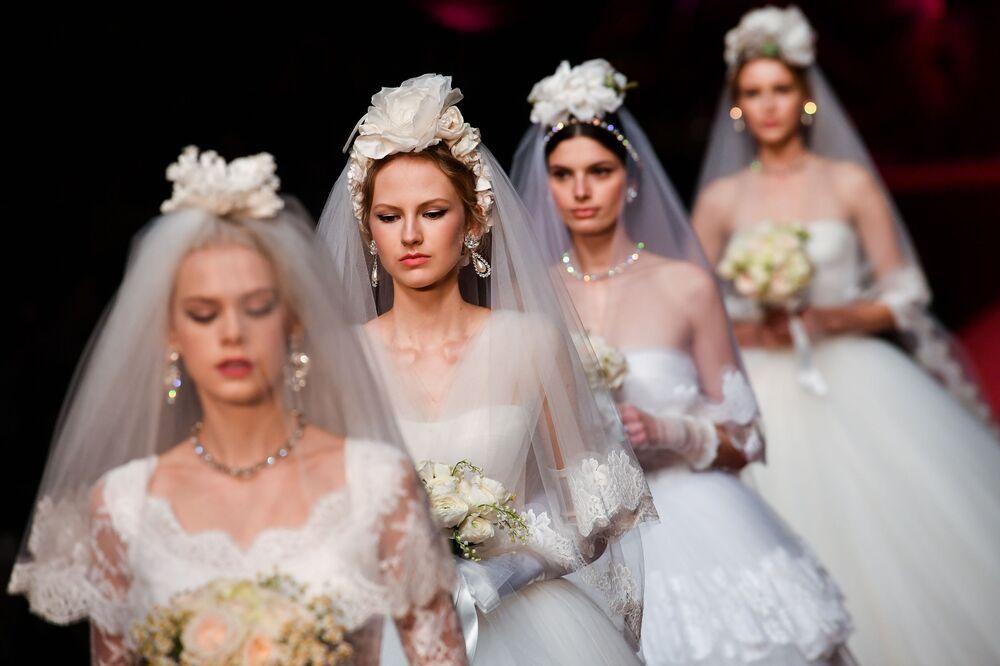عرض أزياء لدار تصميم Dolce & Gabbana لمجموعة خريف/ شتاء 2019/2020 في ميلانو، إيطاليا 24 فبراير/ شباط 2019