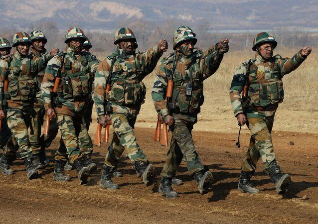 تصاعد التوتر بين الهند و باكستان - جنود الجيش الهندي، 2017