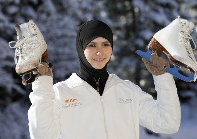المتزحلقة الإماراتية على الجليد زهرة لاري، بطولة كاس أوروبا للتزحلق على الجليد في إيطاليا 2012