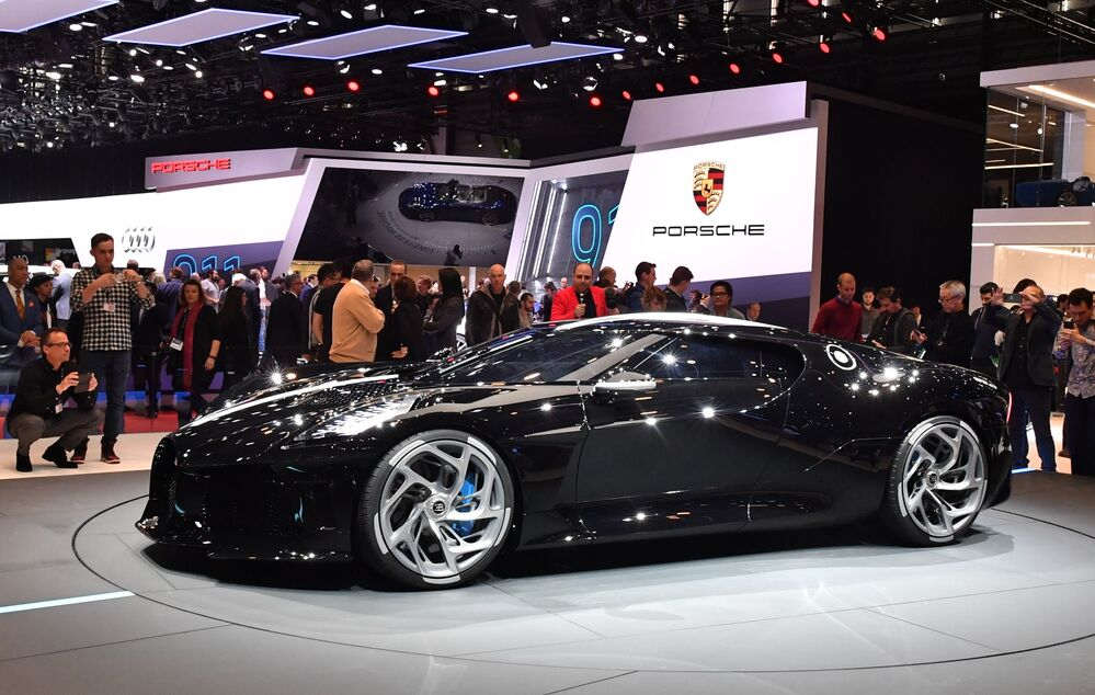 معرض جنيف الدولي للسيارات لعام 2019 - جناح Bugatti وعرض سيارة Bugatti La Voiture Noire
