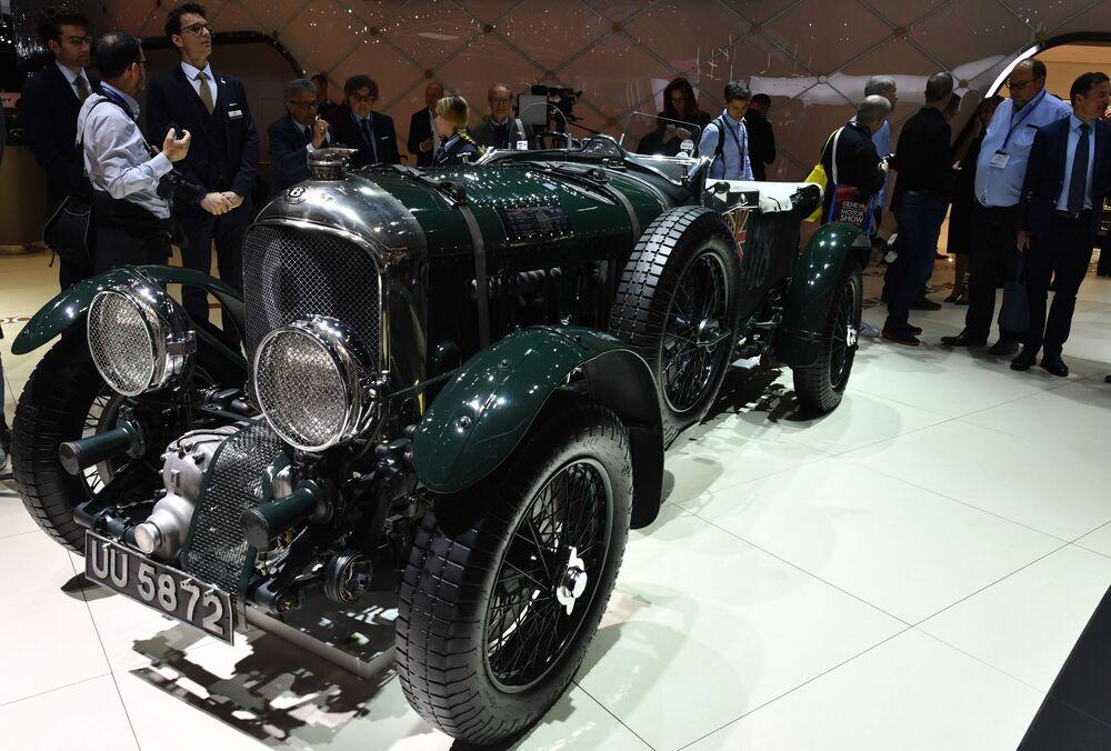 معرض جنيف الدولي للسيارات لعام 2019 - جناح شركة Bentley وعرض سيارة Bentley Blower №9