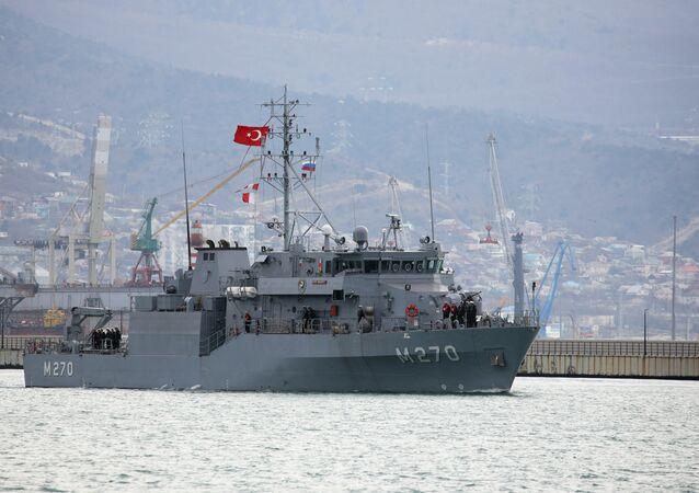 سفينتان حربيتان تركيتان تصلان ميناء نوفوروسيسك الروسي، ضمن تدريبات عسكرية تجريها البحرية التركية تحمل اسم الوطن الأزرق 2019.