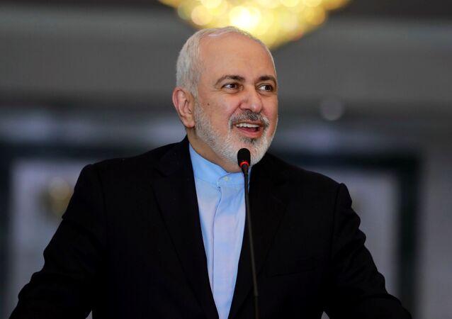 وزير الخارجية الإيراني محمد جواد ظريف أثناء زيارته للعراق