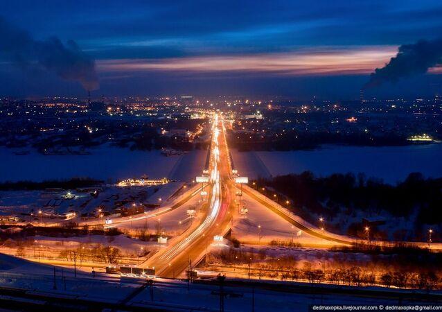 منظر لمدينة نوفوسيبيرسك ليلا