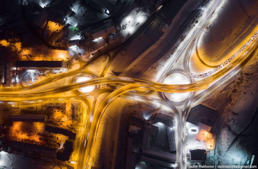 منظر لمدينة كراسنويارسك ليلا