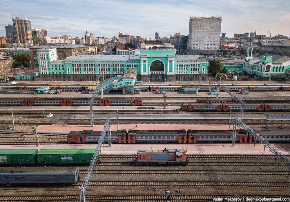 منظر لمحطة قطار في مدينة نوفوسيبيرسك