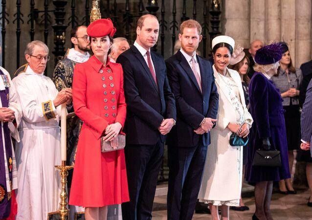 الأميران هاري ووليام وزوجتيهما ميغان ماركل وكيت ميدلتون