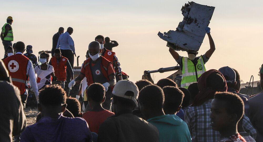 موقع سقوط الطائرة المنكوبة بوينغ 737 في إثيوبيا، 10 مارس/ آذار 2019