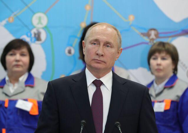 زيارة الرئيس فلاديمير بوتين إلى القرم - محطة توليد الطاقة الحرارية بالاكلافسكايا ، 18 مارس/ آذار 2019
