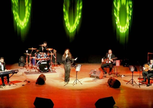 حفل فرقة  دوزان  على خشبة مسرح نقابة الفنانين بحلب