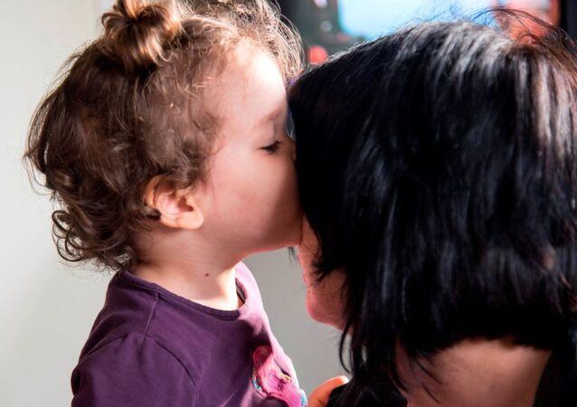 الأم البديلة في قرى الأطفال SOS