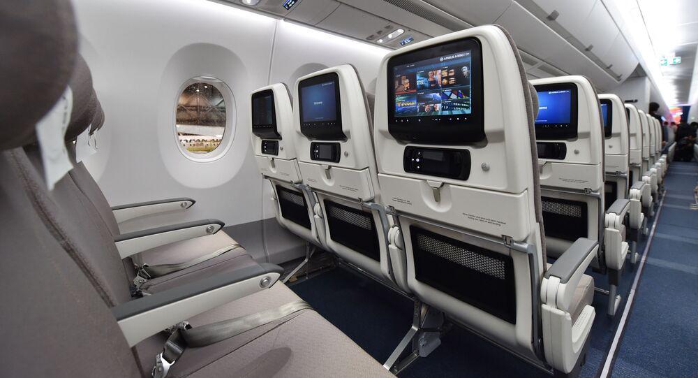 صالون طائرة Airbus A350 XWB تابعة لشركة الطيران Japan Airlines