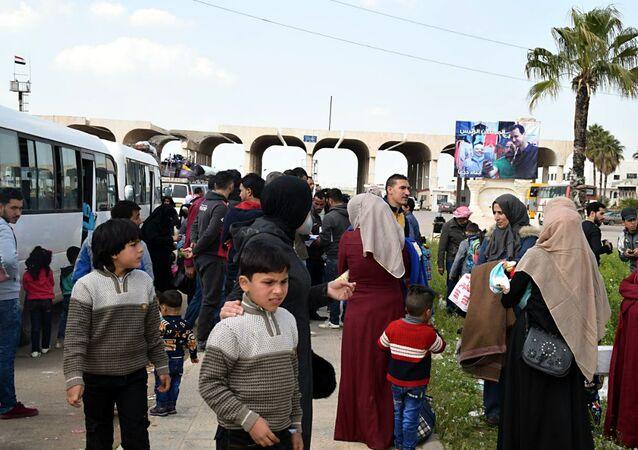 وصفوا مخيم الأزرق بـ المعتقل...لاجئون سوريون بالأردن يطالبون بتسهيل مغادرتهم إلى وطنهم