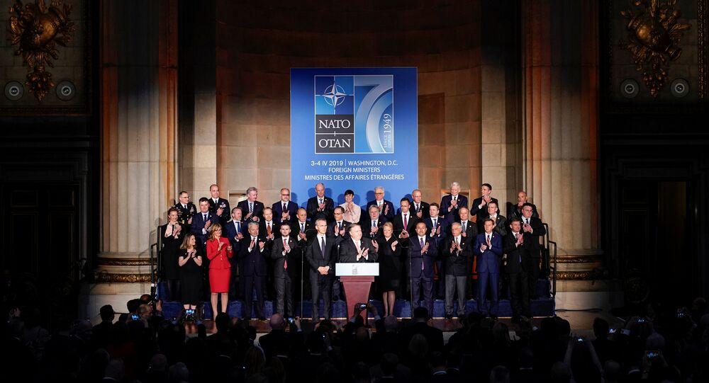 وزير الخارجية الأمريكية خلال اجتماعه مع وزراء خارجية حلف الناتو في واشنطن في أبريل 2019