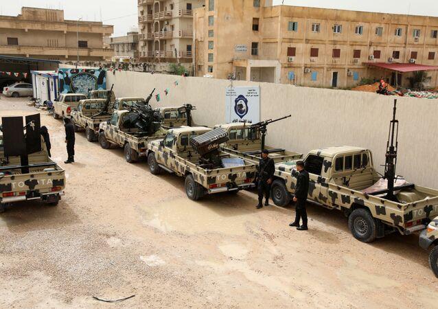 قوات ليبية بالقرب من طرابلس