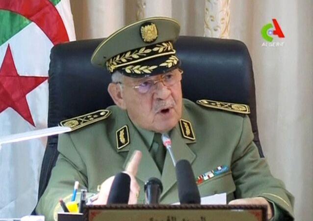 رئيس أركان الجيش الجزائري الفريق أول أحمد قايد صالح