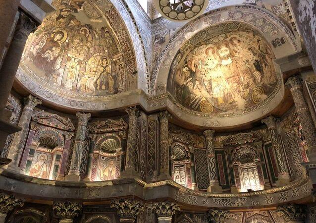 الدير الأحمر بصعيد مصر