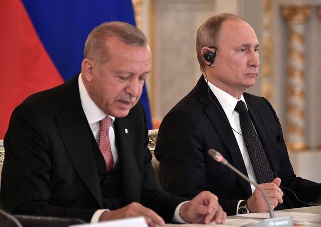الرئيس التركي رجب طيب أردوغان والرئيس الروسي فلاديمير بوتين