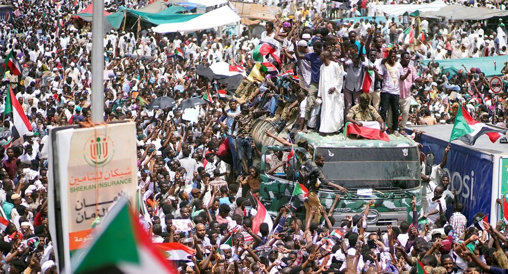 احتجاجات في السودان ترفض المجلس العسكري