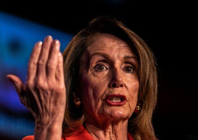 رئيسة مجلس النواب الأمريكي نانسي بيلوسي