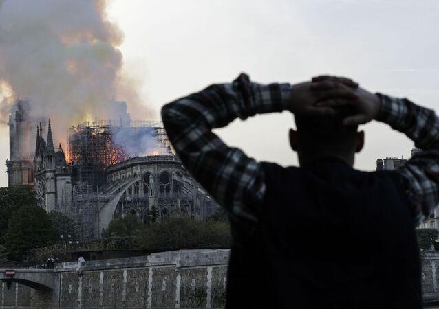 حريق كاتدرائية نوتردام في باريس، فرنسا 15 أبريل/ نيسان 2019