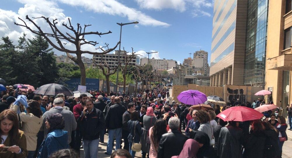 إضراب عام للقطاع العام في لبنان