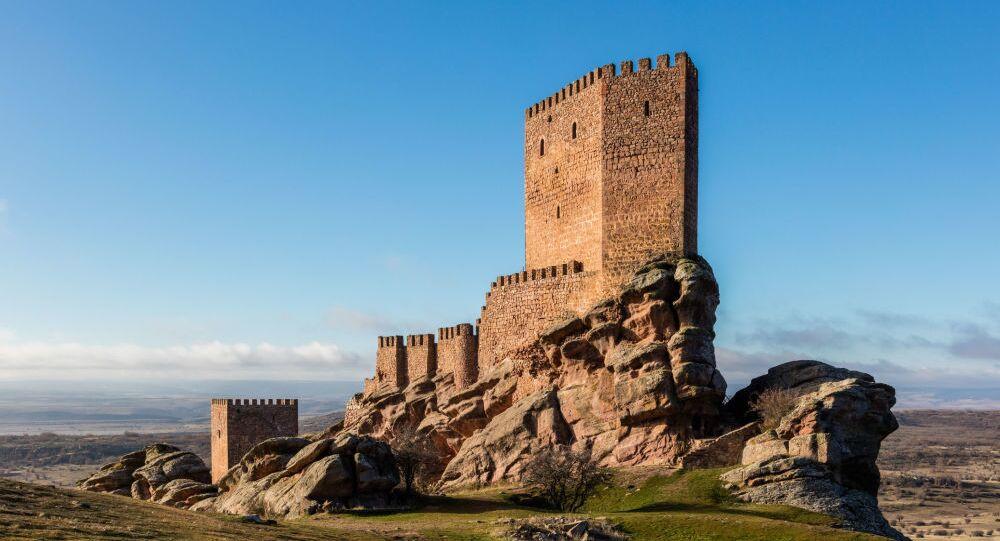 قلعة زفرا (القرن الـ13)، إسبانيا