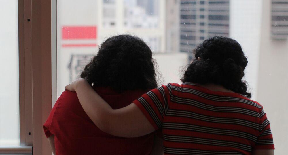 شقيقتان هاربتان من المملكة العربية السعودية في هونغ كونغ