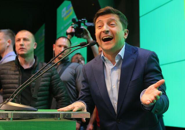 فوز زيلينسكي بالانتخابات الأوكرانية