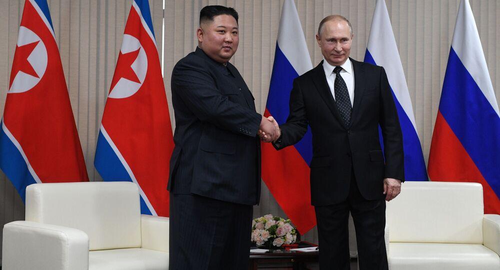 الرئيس الروسي فلاديمير بوتين والزعيم الكوري الشمالي كيم جونغ اون