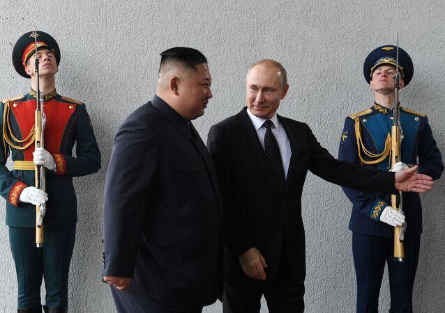 الرئيس الروسي فلاديمير بوتين التقى مع الزعيم الكوري الشمالي كيم جونغ أون (25 أبريل/نيسان)