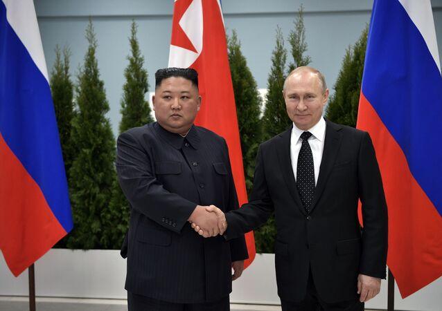 الرئيس الروسي فلاديمير بوتين التقى مع الزعيم الكوري الشمالي كيم جونغ أون