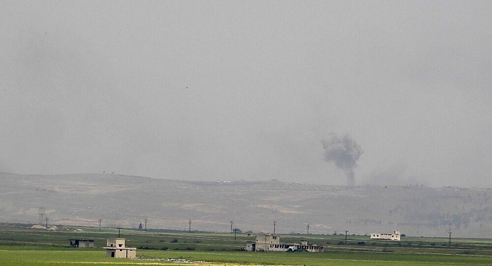 غارات الحربي السوري تدك مقرات النصرة شمال حماة удары в Хаме