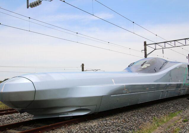 قطار فائق السرعة ألفا إكس